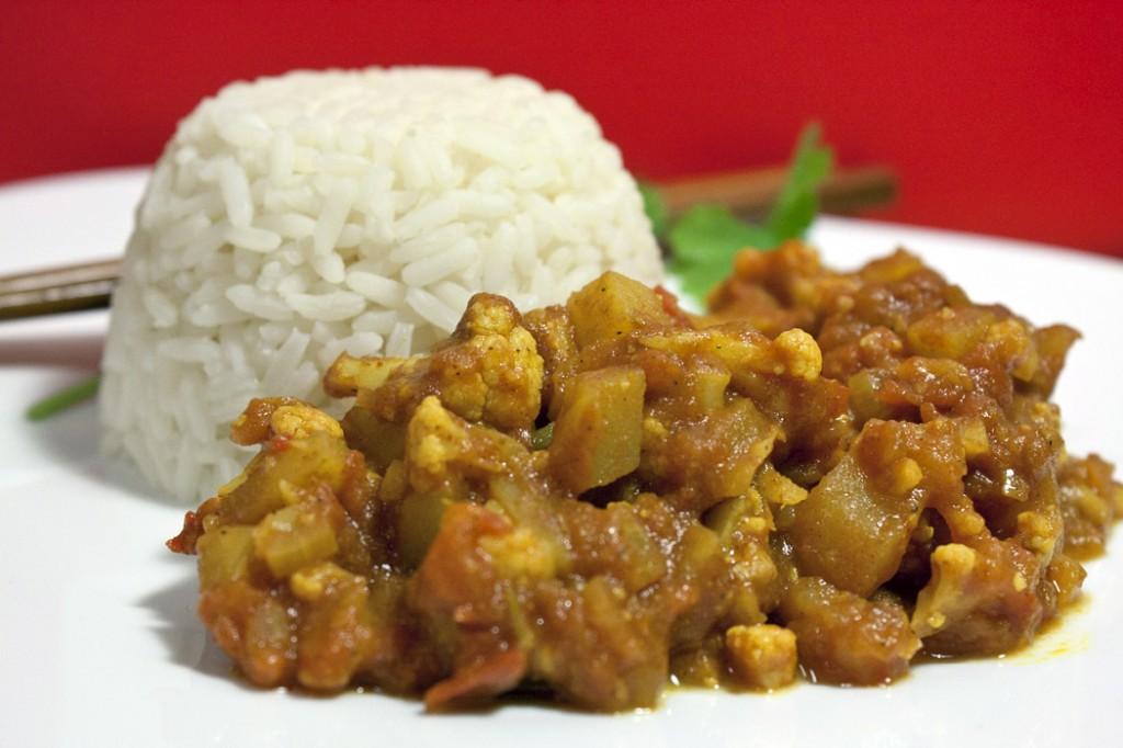 Aloo gobi (kartuli-lillkapsakarri)