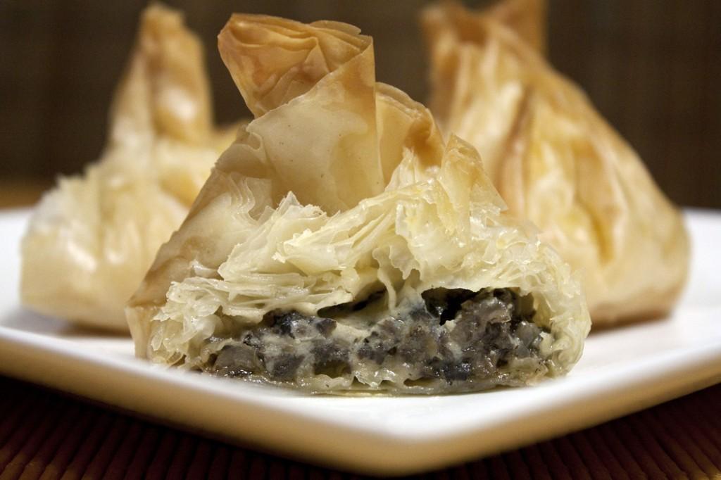 Filotaignapirukad seene-juustutäidisega