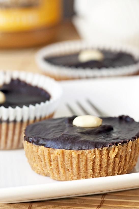 Maapähklivõi-šokolaadikorvikesed